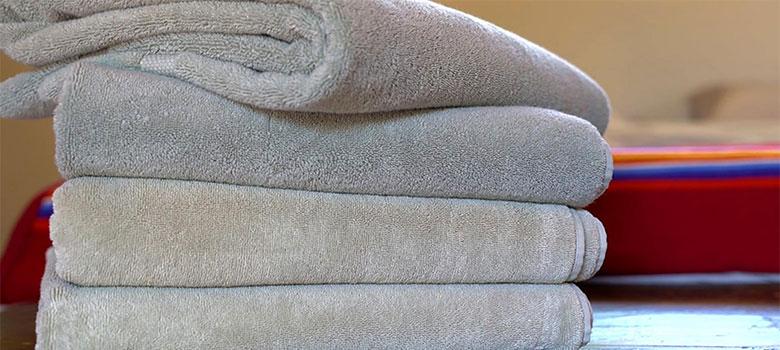 C mo quitar el olor a huedad de tus toallas - Quitar olor desague bano ...